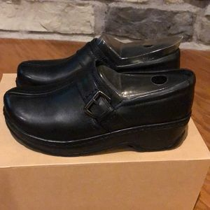 🆕 Klogs Womens black Shoe Size-8